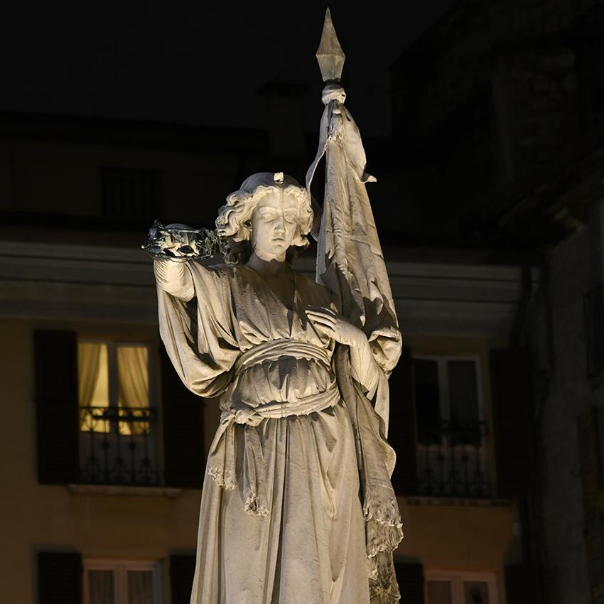 Statua della Vittoria, Piazza della Loggia - Brescia